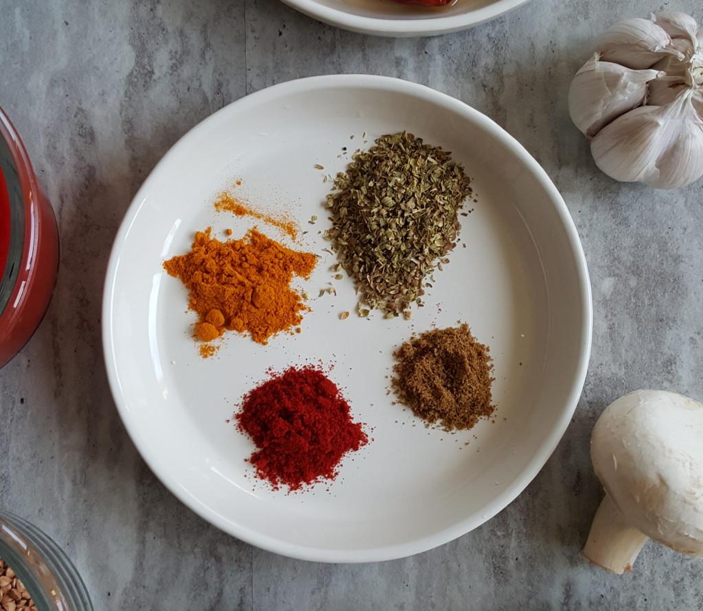 kasza gryczana z pomidorami przyprawy
