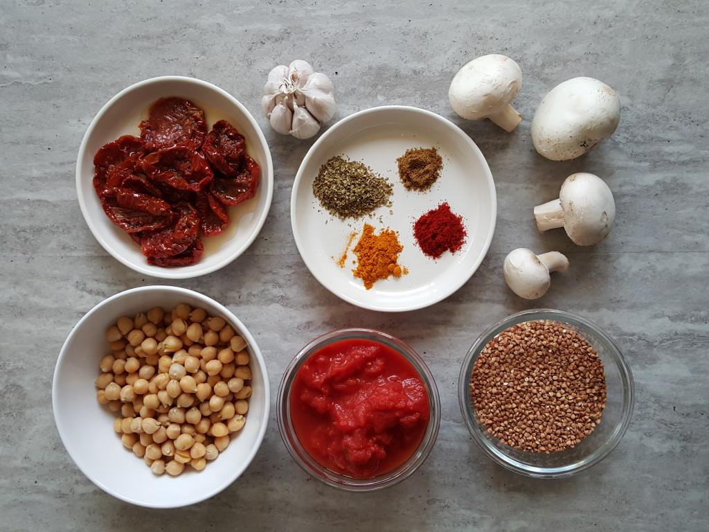 kasza gryczana z pomidorami