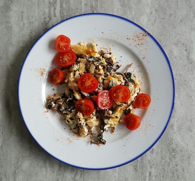 jajka na śniadanie jajecznica