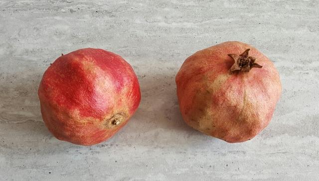 owoce tropikalne granaty