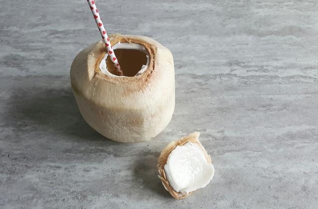 owoce tropikalne kokos