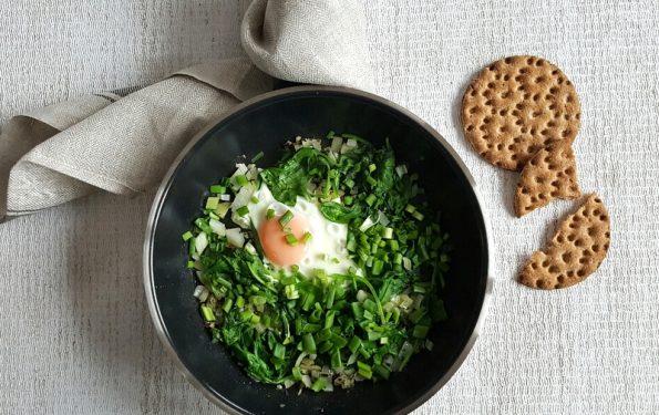jajko ze szpinakiem