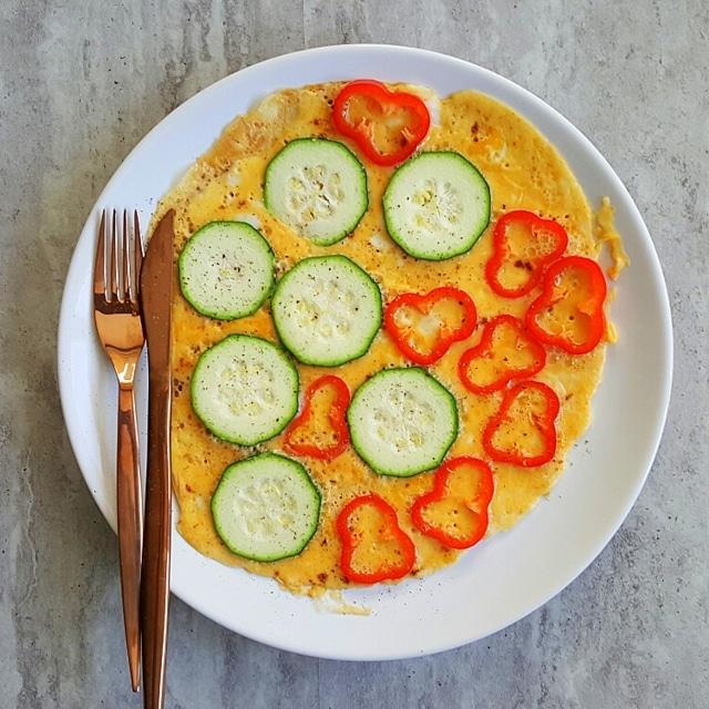 omlet cukinia papryka
