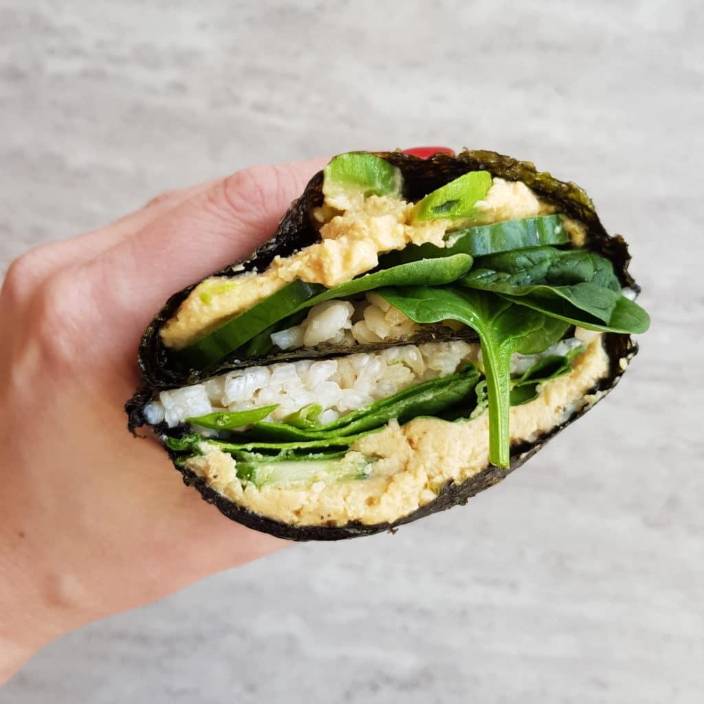 kanapka sushi hummus