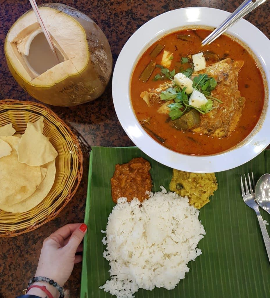 zjeść w Singapurze Fish head