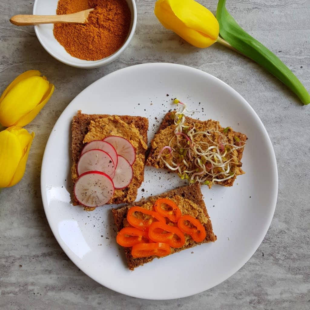 Wielkanoc z curry kanapki