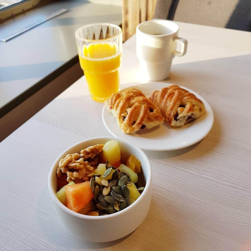helsinki prom śniadanie