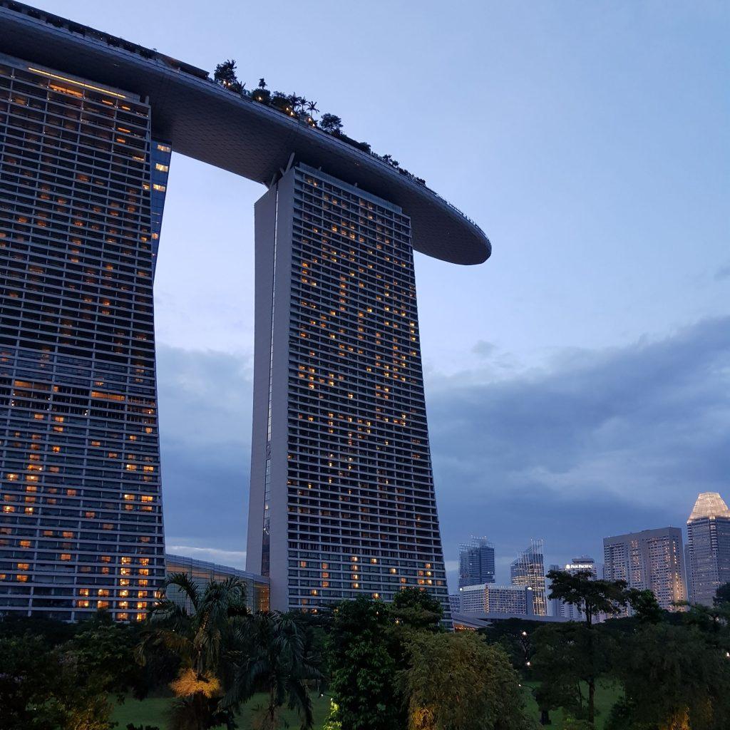 zwiedzić Singapur nocą