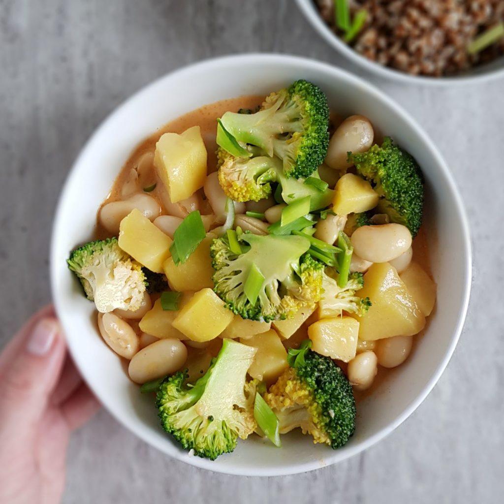 curry z ziemniakami