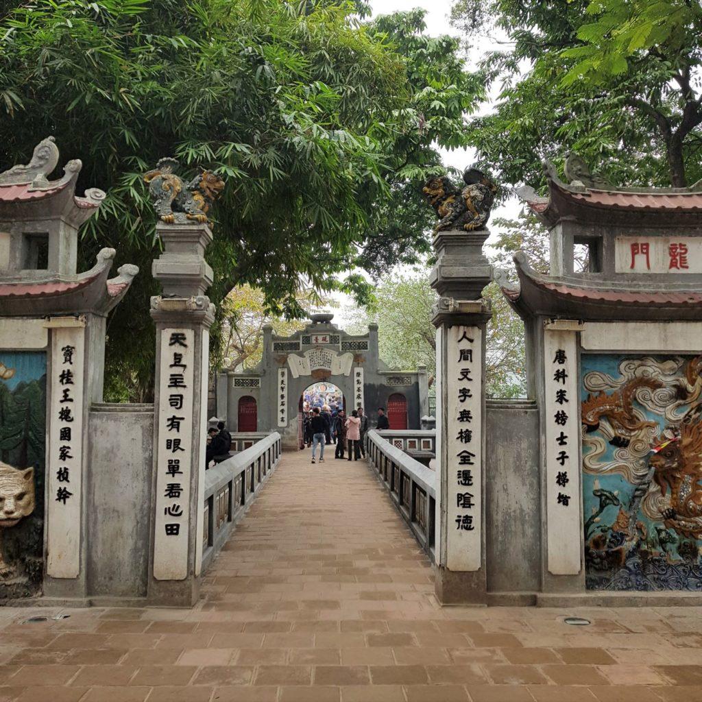 brama prowadząca na Jadeitową Wyspę