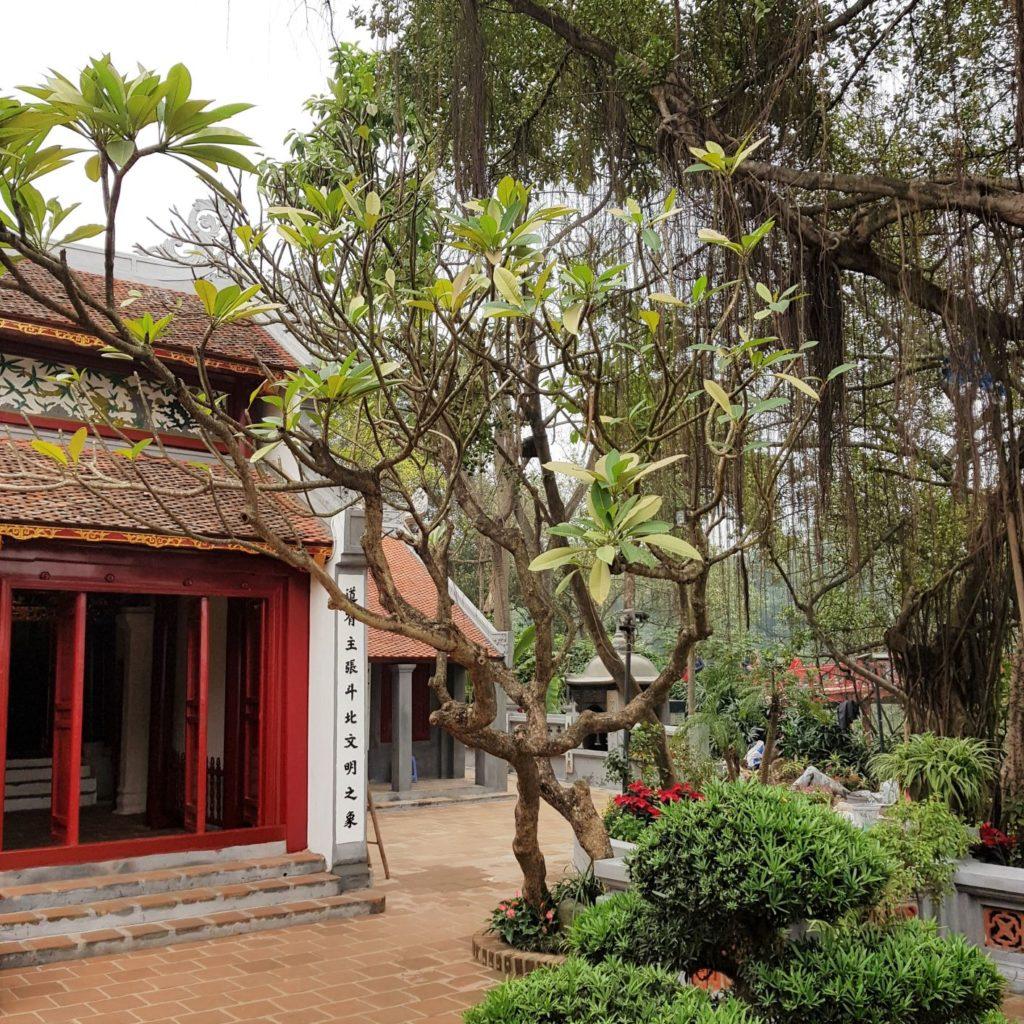 świątynia na Jadeitowej Wyspie w Hanoi