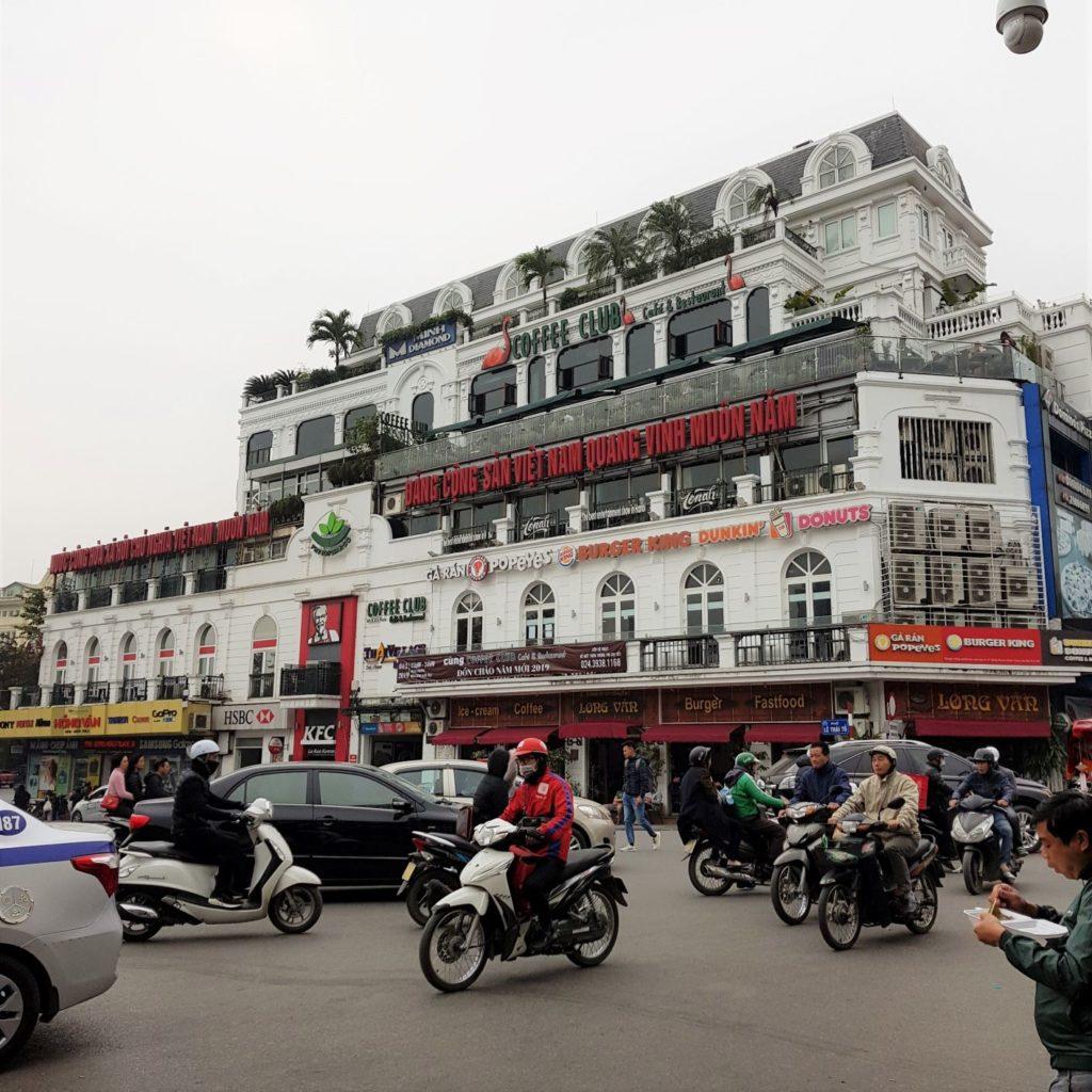 mini przewodnik - zachodni akcent w Hanoi