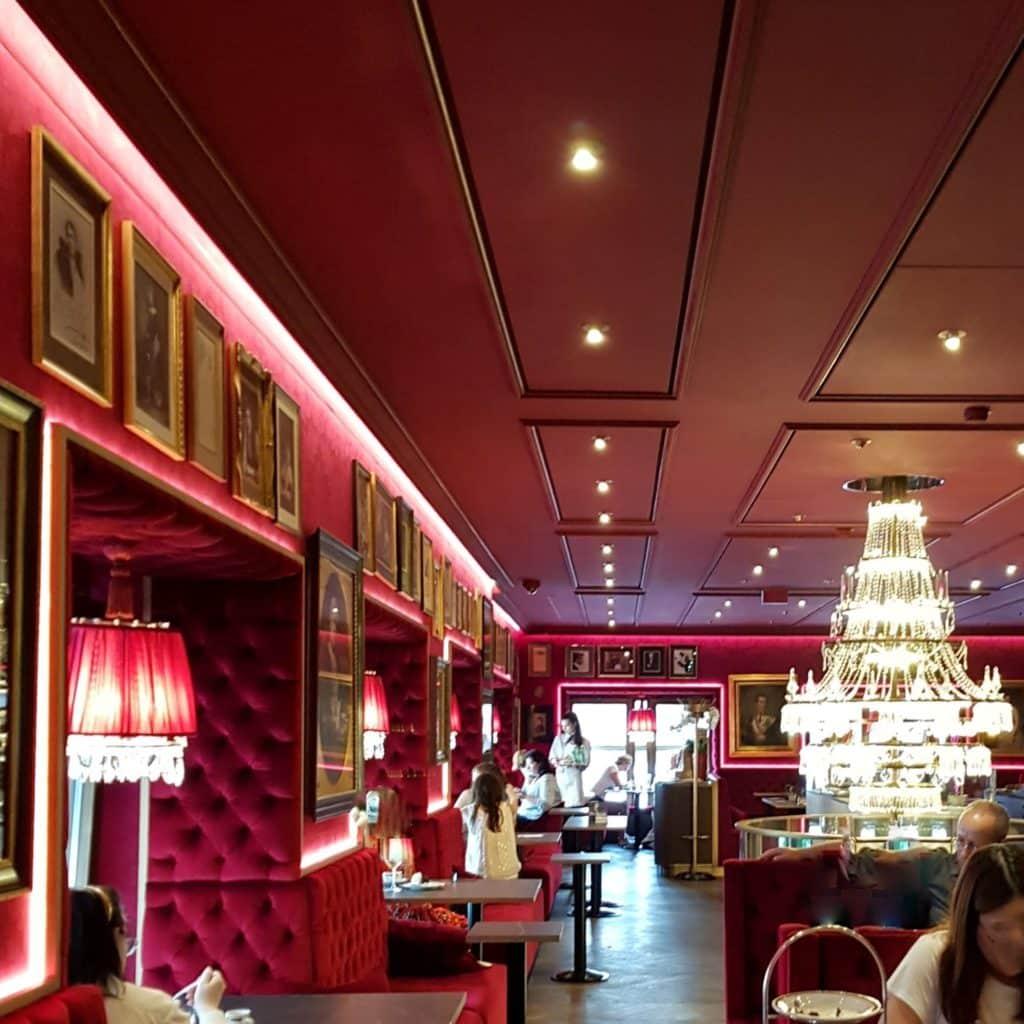 Trzy dni w wiedniu Sacher Cafe