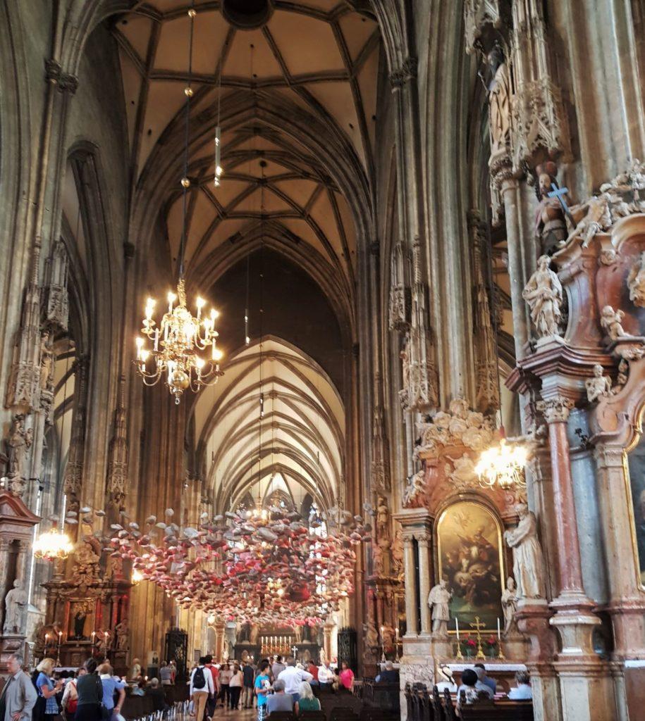 3 dzień w Wiedniu katedra wnętrze