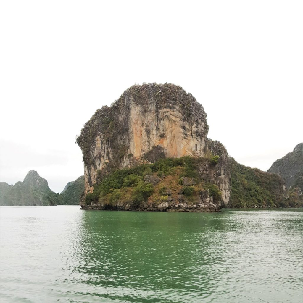 ha long bay Wietnam