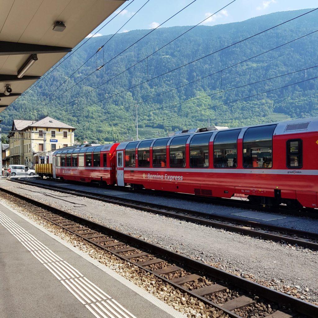 pociągiem przez Szwajcarię - Tirano pociąg panoramiczny