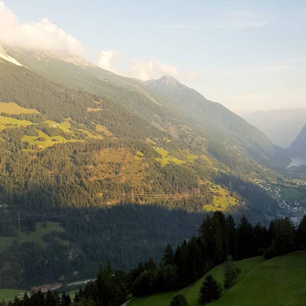 pociągiem po Szwajcarii w góry