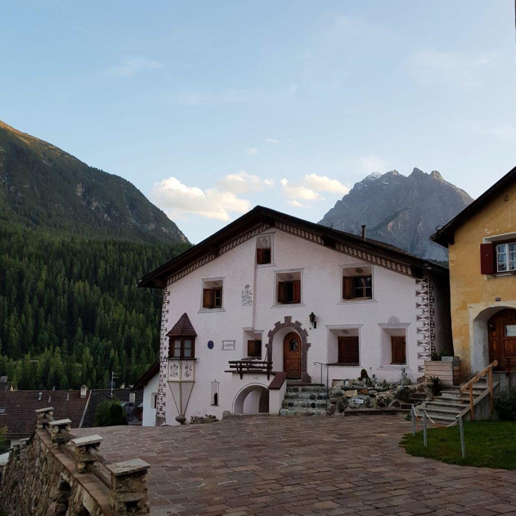 domki w Scuol