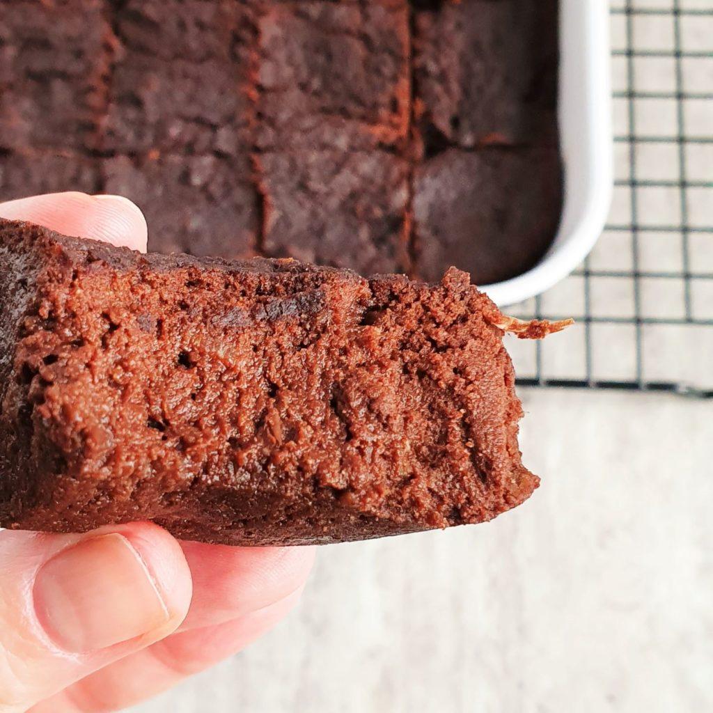 brownie z czerwonej soczewicy