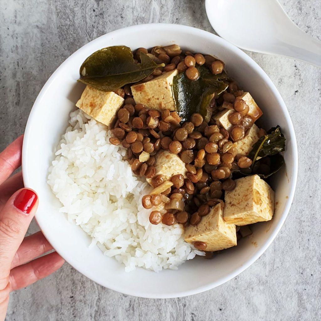 curry z zieloną soczewicą