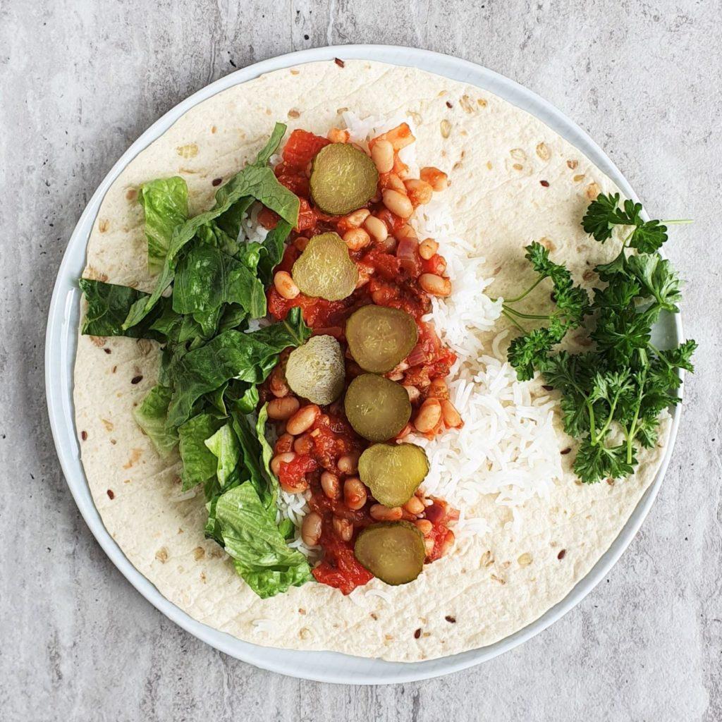 warzywne burrito z białą fasolką