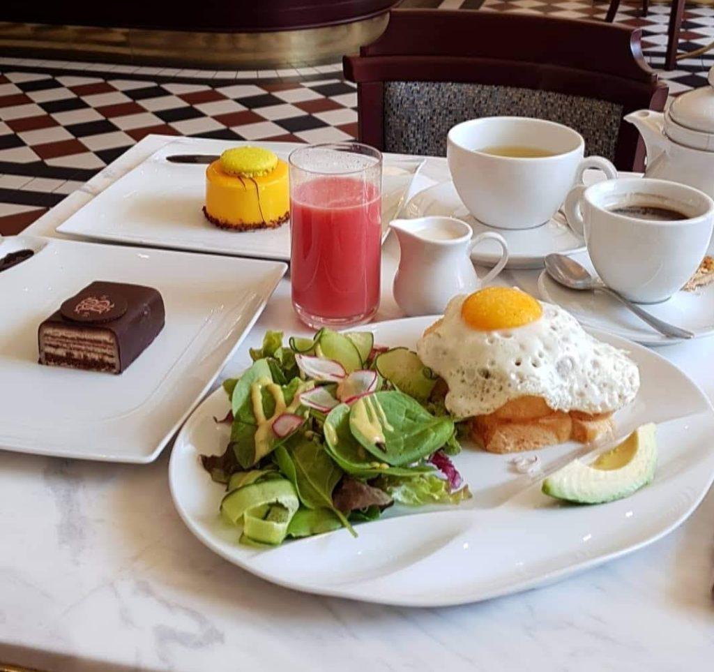 Śniadanie w Cafe Bristol
