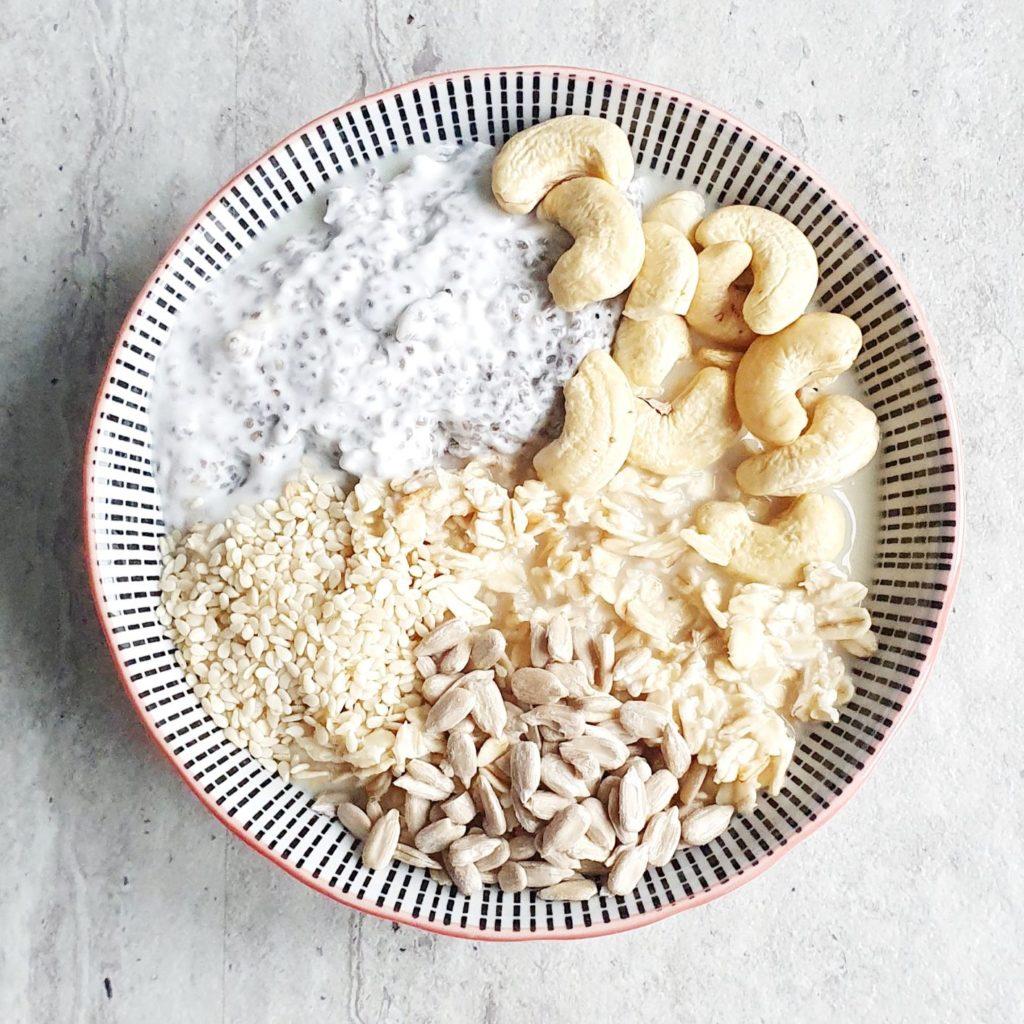 Biała dieta po wybielaniu zębów owsianka z chia