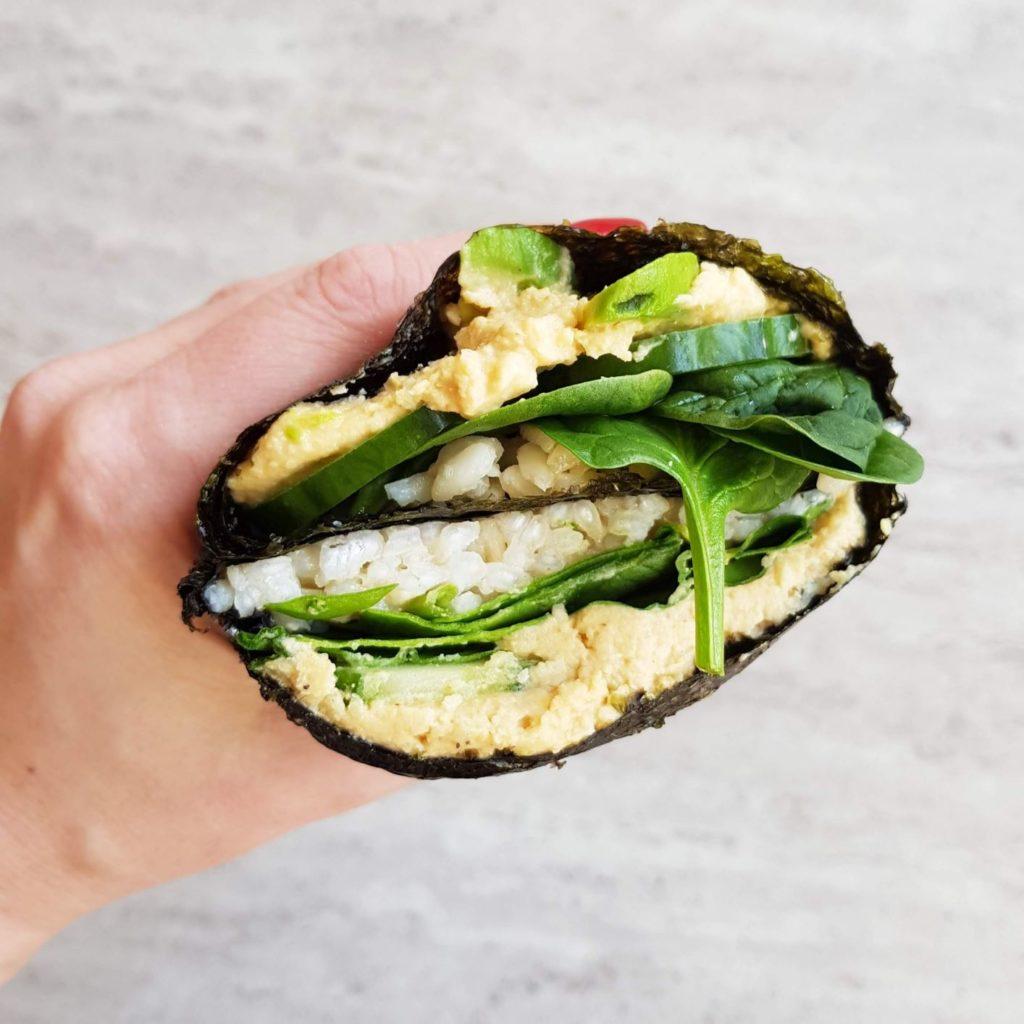 zebrane przepisy z hummusem kanapka sushi