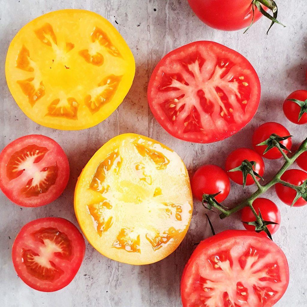 Gulasz pomidorowy z białą fasolką