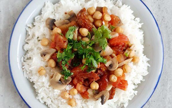 Ryż z ciecierzycą oraz pomidorami