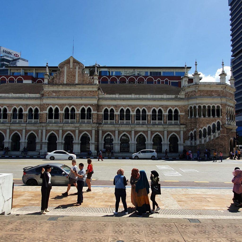 Plac Niepodległości w Kuala Lumpur zabudowa koloniana