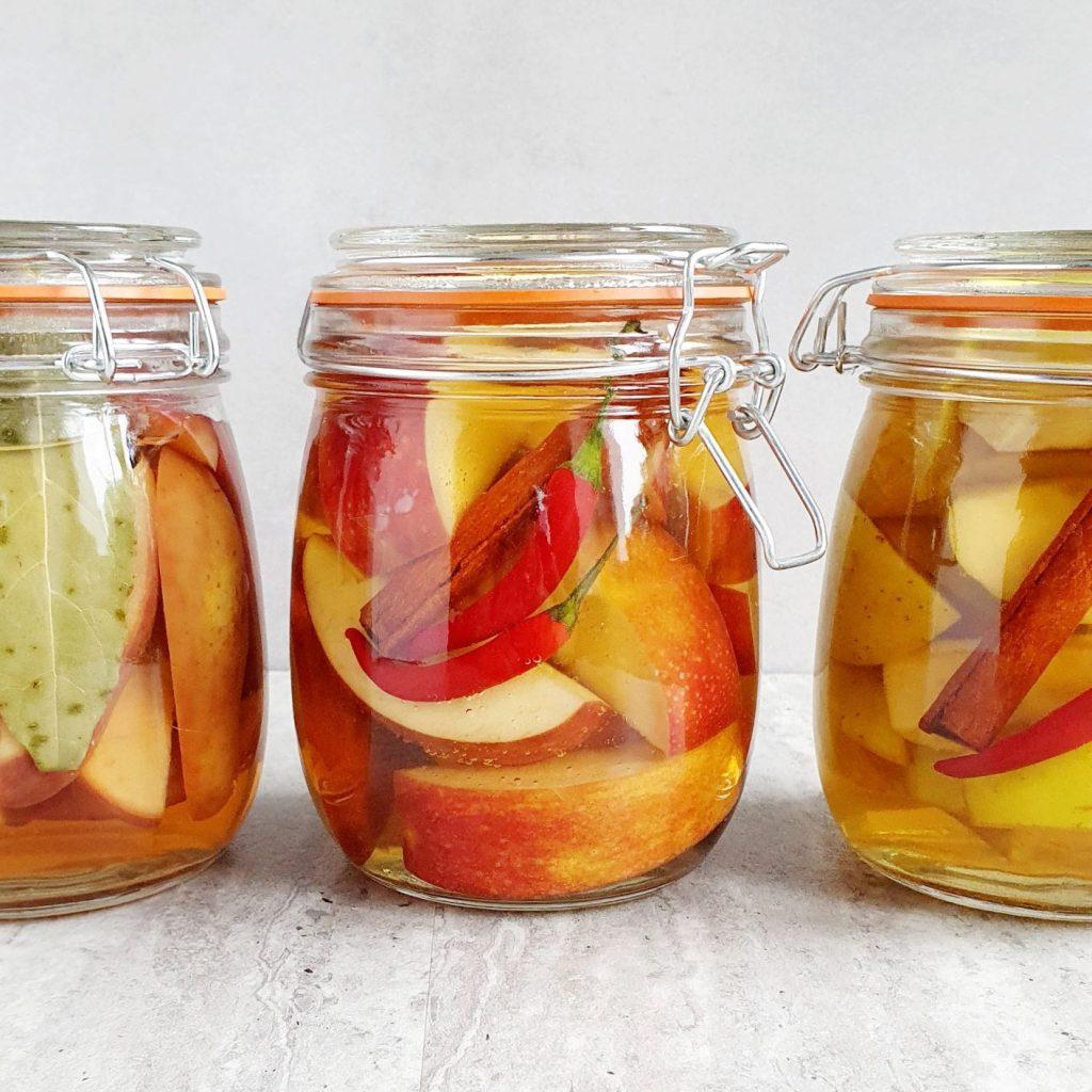 marynowane jabłka słoiki