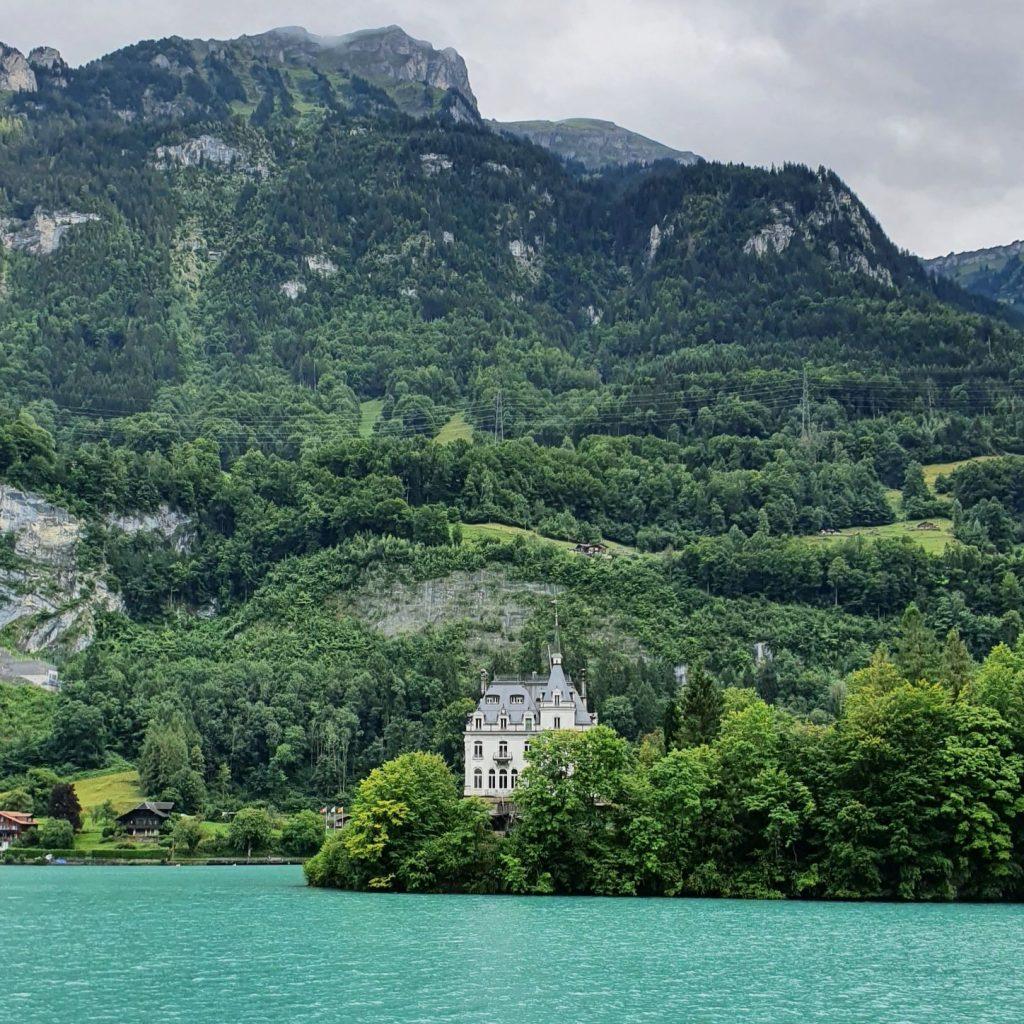 widoki ze statku do Interlaken